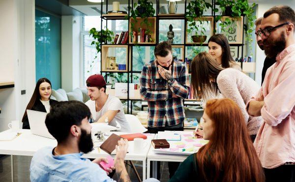 従業員エンゲージメントとは|組織にもたらすメリットを紹介